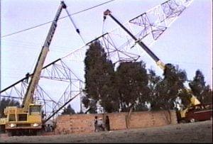 Elevación de la torre de transmisión